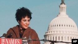 Elizabeth Taylor creó la Fundación para la Investigación del Sida y trabajó por los derechos humanos de quienes tienen el VIH.