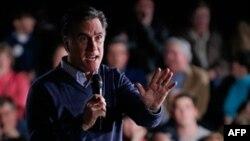 Mitt Romni poygada oldinda, lekin ko'plab respublikachilar uning haqiqiy konservator ekaniga ishonmaydi