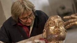 پرده برداری از مجسمه استيو جابز در مجارستان