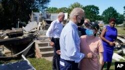 Predsjednik Joe Biden obilazi Manville u New Jerseyju koji je pogođen uraganom Ida, 7. septembar