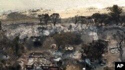 최근 호주 동남부에서 발생한 산불로 불탄 가옥들.