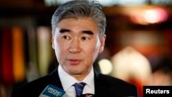 30일 중국 베이징에서 성 김 대북정책 특별대표가 기자회견을 가지고 있다.