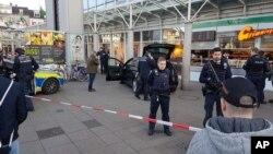 德国海德堡警方开枪把一名男子打成重伤的车祸现场(2017年2月26日)