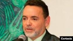 Alejandro Ríos, portavoz en español del Miami Dade College