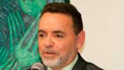 Alejandro Ríos anticipa preparativos para la Feria del Libro de Miami