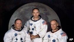 ارمسترانگ و سه فضانورد دیگر ماموریت فضایی آپلو