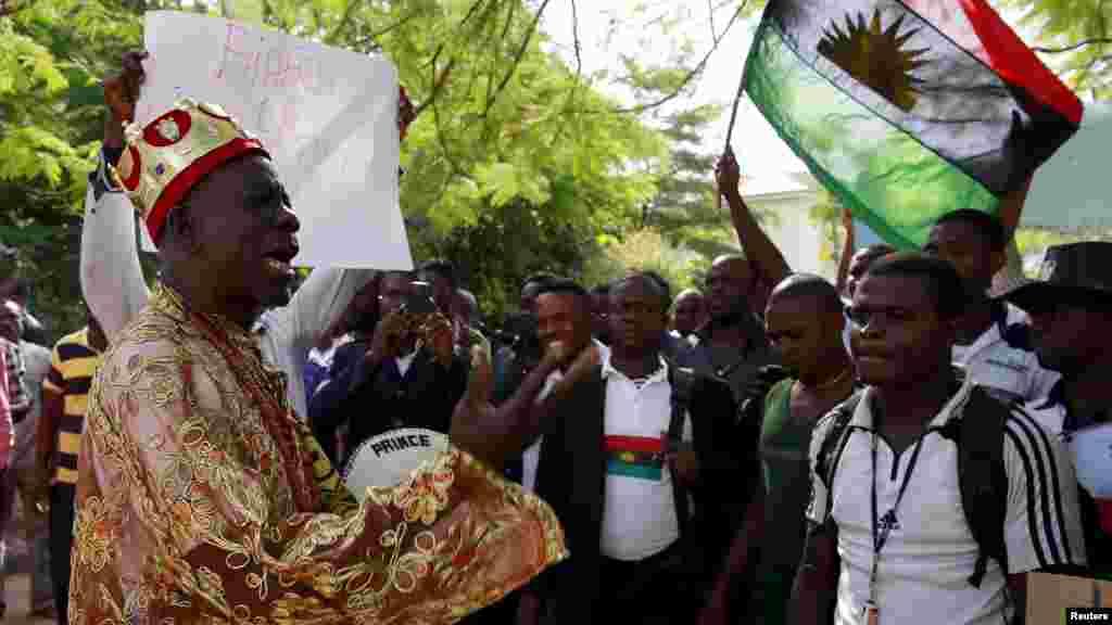 Prince Ozo Onna ya shiga zanga zangar da akeyi kan shugaban Biafra Nnamdi Kanu.
