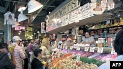 Customers at Pike Place's Fish Market