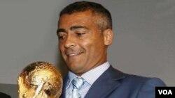 Romario de Souza Faria, mantan bintang sepakbola Brasil yang kini jadi anggota Kongres. Romario dan tim Brasil menjuarai Piala Dunia 1994 di Amerika Serikat.