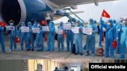 219 công dân, lao động Việt Nam, phân nửa đã nhiễm Covid-19, hồi hương từ Guinea Xích đạo.