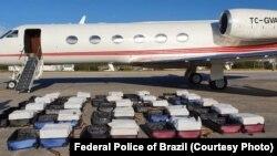 İçerisinde 1,3 ton kokain yakalanan uçak daha önce TC-ATA kuyruk numarasıyla devlet görevlileri tarafından kullanılan ardından satılmış olan bir uçak.