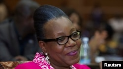 凱瑟琳•桑巴-潘扎當選中非共和國臨時總統.
