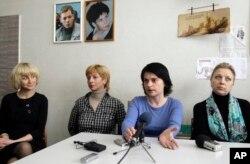 Белорусские журналистки (слева направо) Марина Коктыш, Ирина Халип, Наталья Радина, Светлана Калинкина