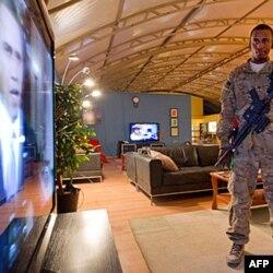 Vojnici u Kandaharu prate govor predsjednika Baraka Obame