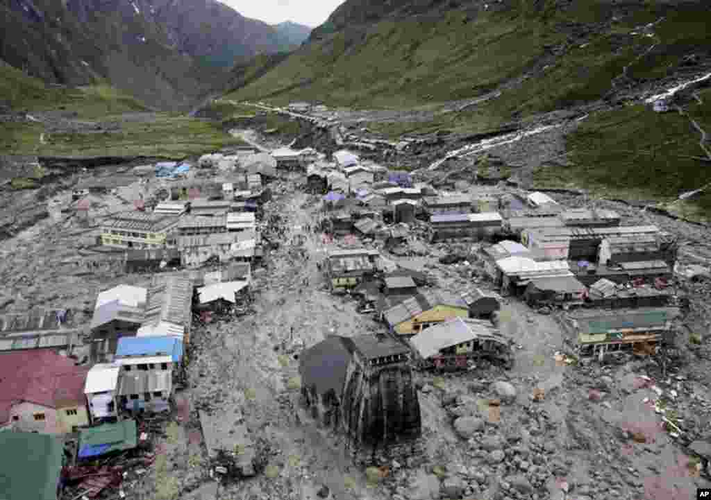 A view of the Hindu holy town of Kedarnath from a helicopter after a flood, in the northern Indian state of Uttarakhand, June 18, 2013.