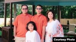 Warga Indonesia di Virginia, Olivia Ranakusuma, bersama keluarga (Dok: Olivia Ranakusuma)