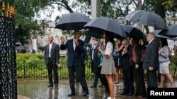 Presiden AS Barack Obama bersama istri dan kedua putrinya mengunjungi kota tua Havana, Kuba (20/3).