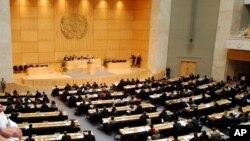 Le hall de l'assemblée lors d'une Commission on sur les droits humains à Genève, Suisse, le 19 mars 2003.