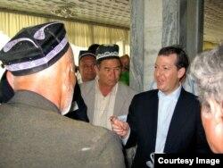 Evan Feygenbaum AQSh diplomati sifatida Markaziy Osiyoda ko'p vaqt o'tklazgan, 2007
