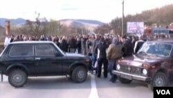 Barikade na magistralnom putu Mitrovica-Leposavić na Kosovu, 25. mart 2014.