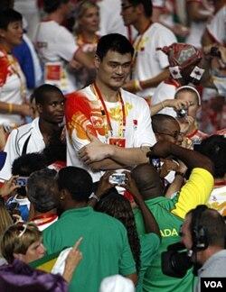 """Yao Ming: """"Iako se povlačim sa terena, nikada neću napustiti košarku"""""""