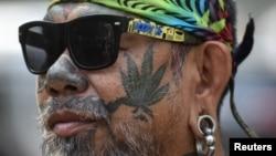 Parlemen Thailand menyebut legalisasi ini sebagai 'hadiah tahun baru'.