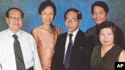 From left to right: Meas John, Nuch Sarita, Tes Saroeum, Dan Sipo, and Ang Khen.
