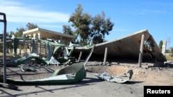 Ayn Zara qəsəbəsində məktəb bomba hücumu nəticəsində dağılıb, 13 aprel, 2019.