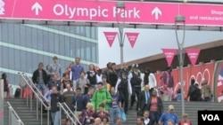 關注奧運會的體育愛好者﹐2012年的倫敦奧運和四年前的北京奧運相比﹐感受到很多的不同體驗。