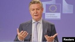 El comisario europeo de comercio asegura que las políticas argentinas afectan a otros 14 países que no son de la UE.