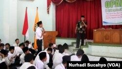 Sosialisasi Mewaspadai Gerakan Radikal di UIN Walisongo Semarang oleh FKPT Jawa Tengah