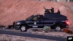 Pasukan keamanan Yordania melakukan patroli di penjara Swaqa (foto: dok). Yordania melakukan hukum gantung terhadap 15 napi di Swaqa, 70 kilometer sebelah selatan Amman.