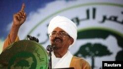 Presiden Sudan Omar Hassan al-Bashir dalam konferensi partai di Khartoum. (Foto: Dok)