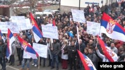 Protesti u Štrpcu (Foto: Glas Amerike)
