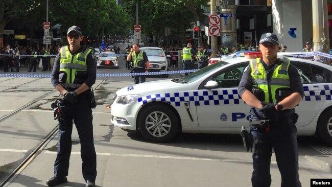 Cảnh sát chốt chặn một trung tâm mua sắm tại Melbourne, Australia, tháng 11, 2018. Hình minh họa. (REUTERS/Sonali Paul)