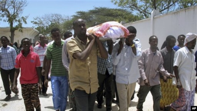 Somalian journalist Abdisatar Dahir Sabriye died in a September 2012 suicide bomb attack at a Mogadishu cafe frequented by politicians and journalists.
