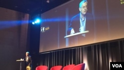 David E. Kaplin, executive director of Global Investigative Journalism Network, gave an opening remark to about 900 journalists from more than 120 countries during a networking conference in Lillehammer, Norway. (Photo: Phorn Bopha/VOA Khmer)