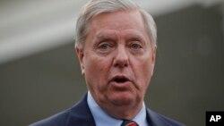 Senator Lindsey Graham mendesak Trump agar membuka pemerintahan.