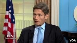 Том Маліновський, помічник держсекретаря США з питань прав людини