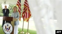 Клинтон завершила двухдневный визит в Индию