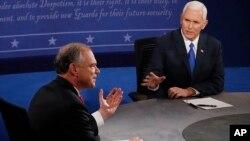 Майк Пенс и Тим Кейн в ходе теледебатов. Вирджиния, 4 октября 2016.
