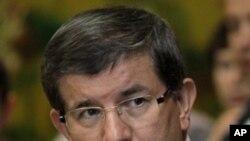 ترکی کا لیبیائی باغیوں کو تسلیم کرنے کا اعلان