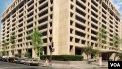 Kantor pusat Dana Moneter Internasional (IMF) di Washington, DC. Lembaga ini baru saja mengeluarkan laporan tahunannya untuk 2010.