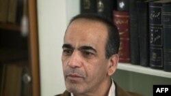 Masoud Shafii, luật sư người Iran của 3 người Mỹ bị tố cáo là gián điệp nói chuyện với phóng viên Reuters tại văn phòng của ông ở Tehran, 5/2/2011