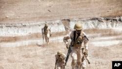 Pasukan Burkina Faso mengikuti latihan militer kontraterorisme yang dipimpin oleh AS di Thies, Senegal, 18 Februari 2020. (Foto: AP)