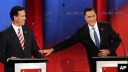지난 1월 텔레비전 토론회에 나란히 출현한 릭 샌토럼 후보(왼쪽)와 미트 롬니 후보