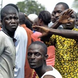 Supporters of presidential candidate and former President Henri Konan Bedie demonstrate outside his headquarters in Abidjan on 04 Nov 2010