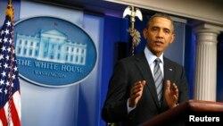 Tổng thống Obama bị chỉ trích về chính sách ngoại giao 'ngây thơ'.