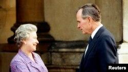 ჯორჯ ბუშ უფროსი და დედოფალი ელისაბედი