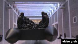 Nghệ sĩ Ngải Vị Vị triển lãm tác phẩm nghệ thuật ở Cộng hòa Séc (視頻截圖)